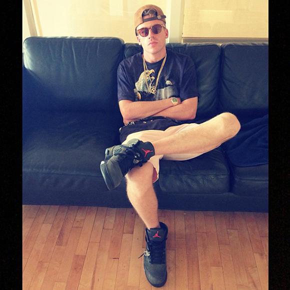 Celebrity sneaker watch macklemore rocks the jordan 5 v fear early sneakerfiles for Celebrity rocks watches