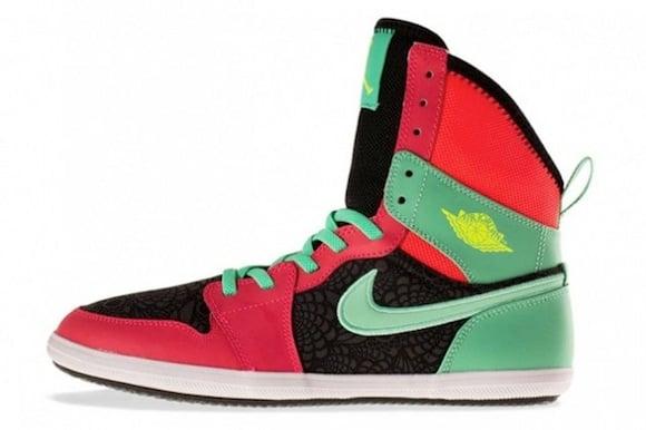 Nike Air Jordan 1 High Atomic Red Green Glow Now Available