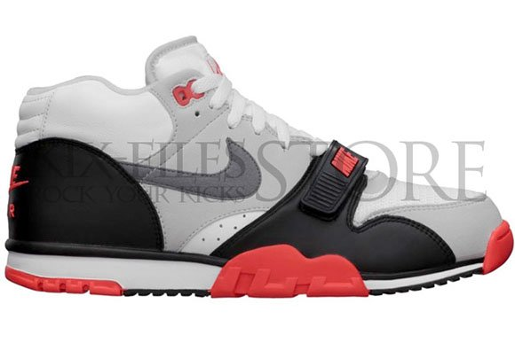 Nike Air Trainer 1 Mid Infared