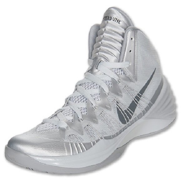 Nike Hyperdunk 2013 Pure Platinum \u2013 First Look