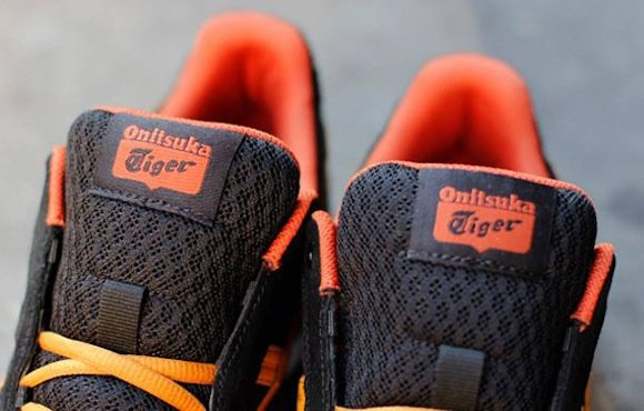 outlet store 006be 4bf81 Onitsuka Tiger Harandia Black Tan New Release