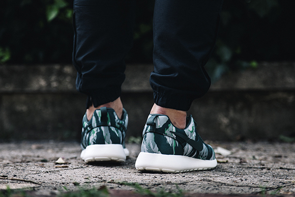 Roshe Run Green Tiger Camo