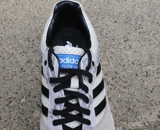 adidas-tech-super-grey-snake-2