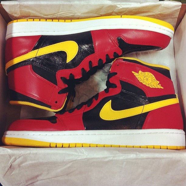 air-jordan-1-high-og-atlanta-hawks-1