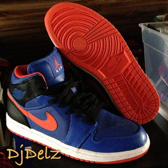 Air Jordan 1 Mid Knicks Sample