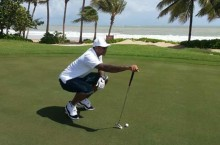 "Celebrity Sneaker Watch: Carmelo Anthony Golfs in Air Jordan XI ""Concord"""