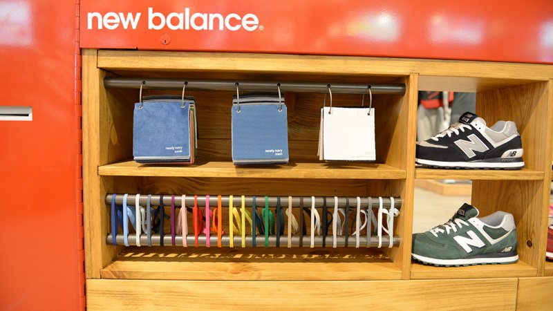 footlocker-unveils-new-balance-574-customization-kiosk-at-footlocker-times-square-1