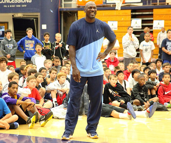 michael-jordan-debuts-new-air-jordan-xi-11-pe-at-mj-flight-school-1