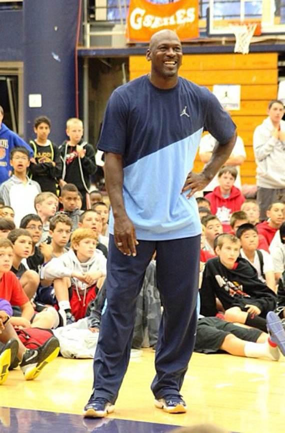 michael-jordan-debuts-new-air-jordan-xi-11-pe-at-mj-flight-school-2