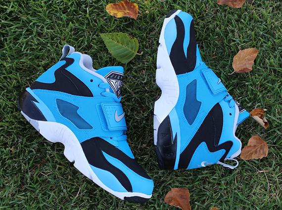 Nike Air Diamond Turf Black Wolf Grey Blue Hero