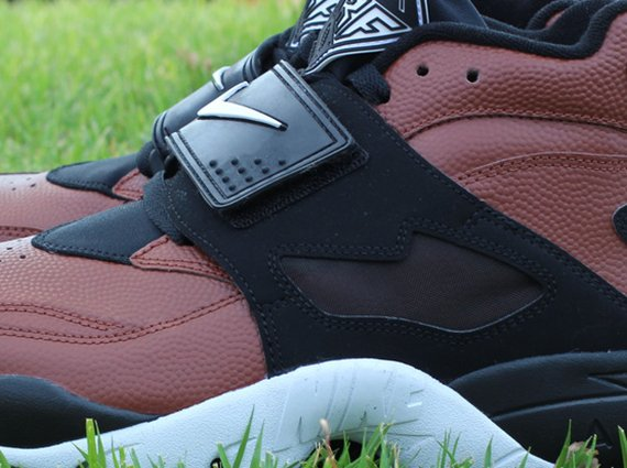 Nike Air Diamond Turf Football