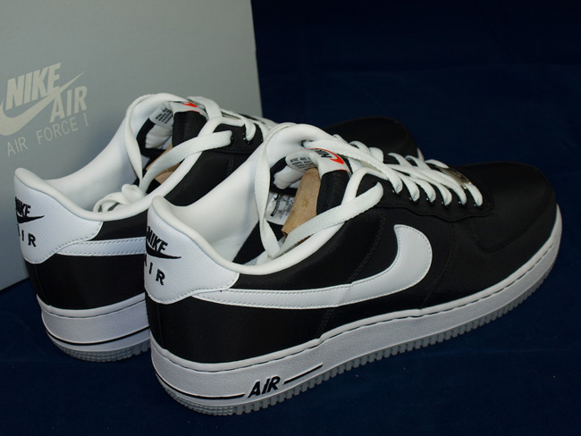 nike air force one low black white