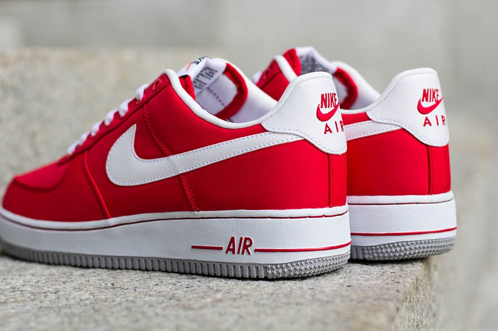 nike-air-force-1-low-university-red-3