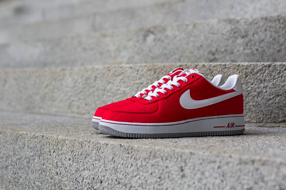 Nike Air Force 1 Bas En Daim Uni Air Rouge 4QRBgGvaa