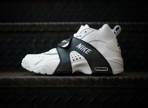 Nike Air Veer White Black
