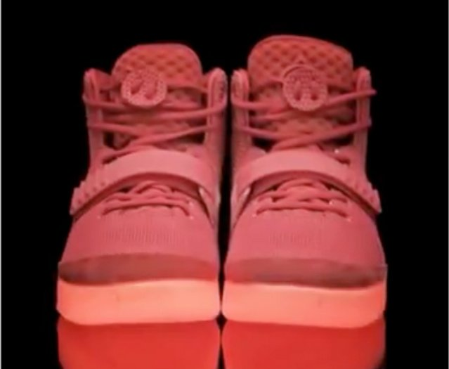 nike-air-yeezy-2-red-october-preview-3