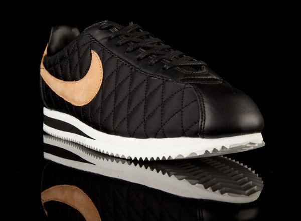 nike-cortez-nylon-quilted-pack-1