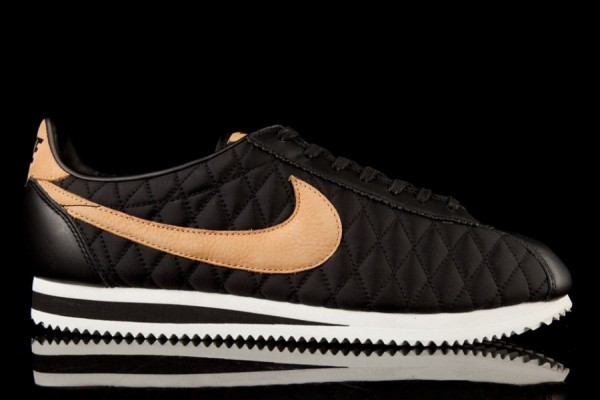 nike-cortez-nylon-quilted-pack-2