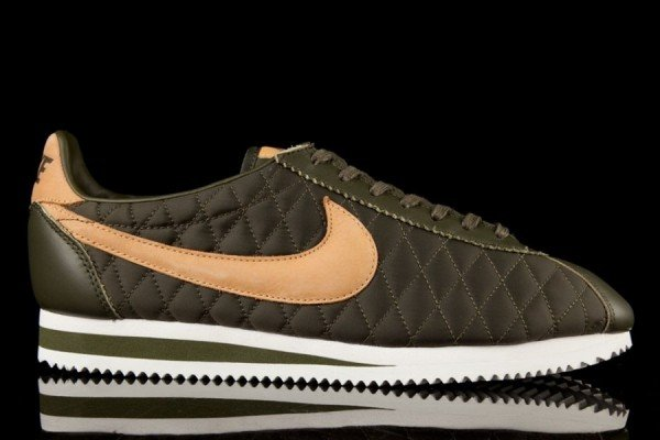nike-cortez-nylon-quilted-pack-3