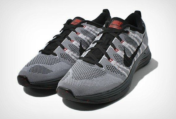 nike-flyknit-lunar1-grey-black-red-1
