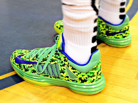 nike-hyperdunk-2012-low-chill-camo-kyrie-irving-pe