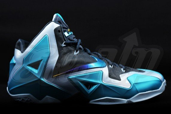 new arrival 4c639 42aad Nike LeBron XI Gamma Blue Preview