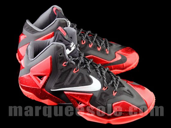 Nike LeBron XI Heat Another Look