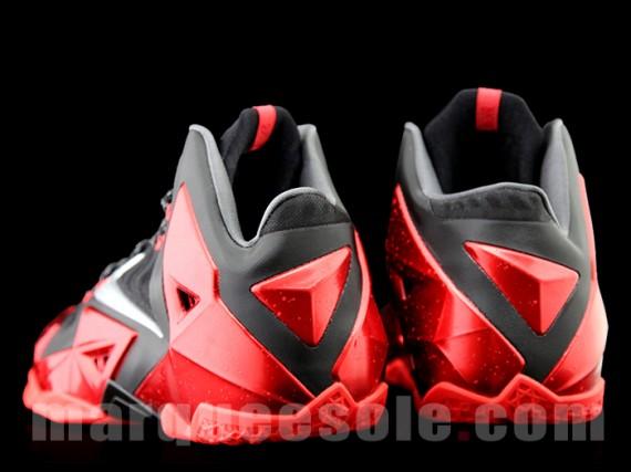 Nike LeBron XI Heat Another Look