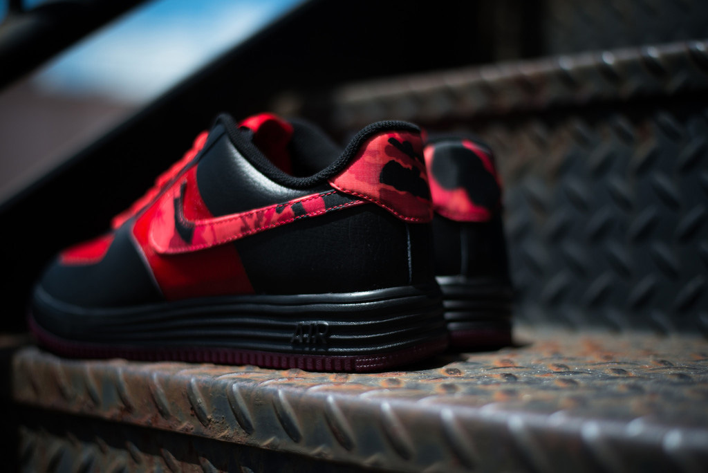 nike-lunar-force-1-fuse-leather-red-camo-now-available-3