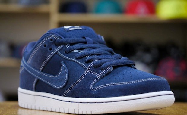 nike-sb-dunk-low-pro-midnight-navy-white-1