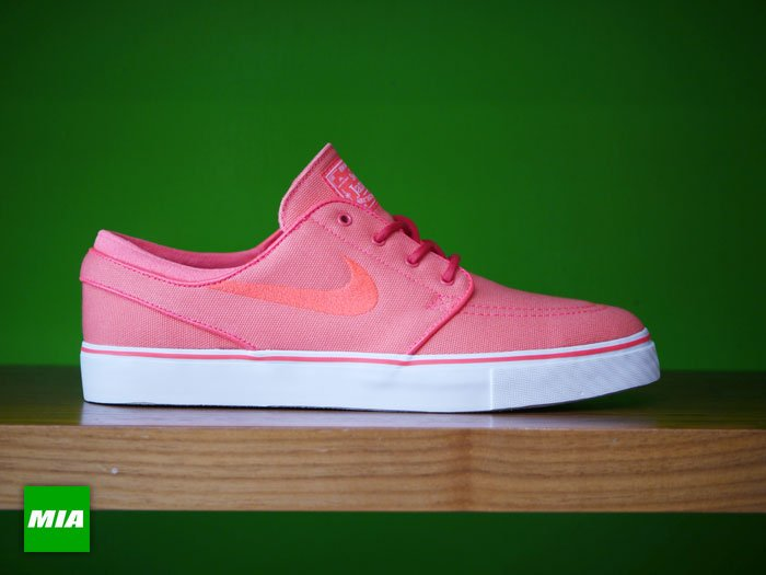 nike-sb-stefan-janoski-atomic-red-1