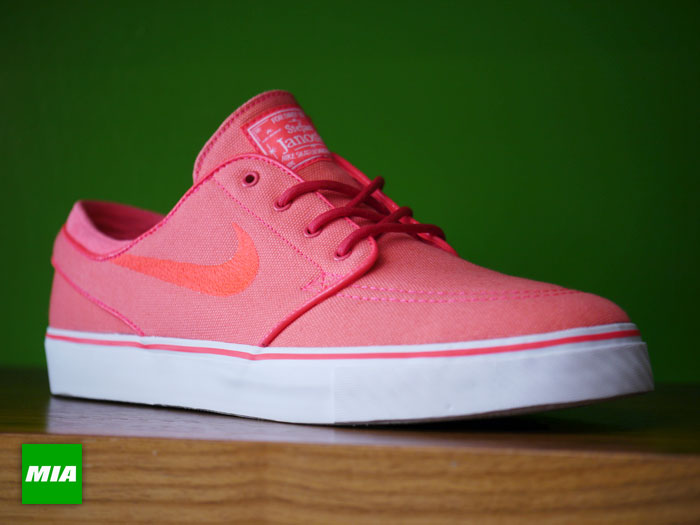 nike-sb-stefan-janoski-atomic-red-2