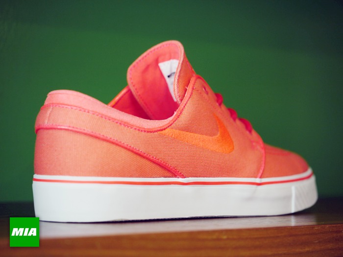 nike-sb-stefan-janoski-atomic-red-3
