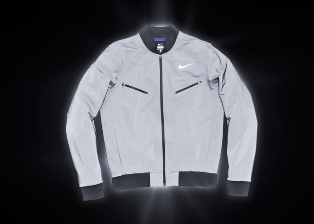 nike-tennis-introduces-reflective-vapor-flash-footwear-and-jackets-3
