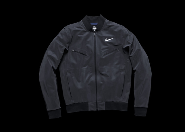 nike-tennis-introduces-reflective-vapor-flash-footwear-and-jackets-4