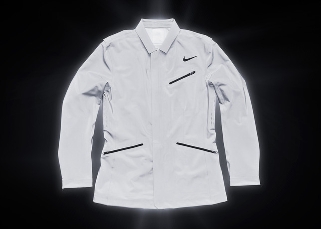 nike-tennis-introduces-reflective-vapor-flash-footwear-and-jackets-8