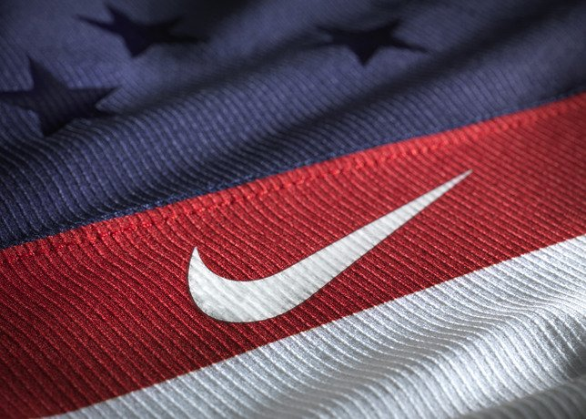 nike-unveils-2014-usa-olympic-hockey-jersey-4