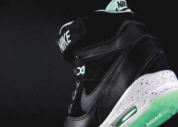 nike-wmns-air-revolution-sky-hi-qs-black-black-arctic-green-3