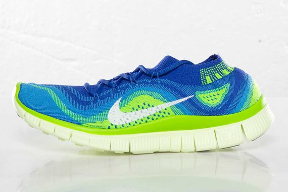 nike-wmns-free-flyknit-game-royal-white-blue-glow-electric-green-2