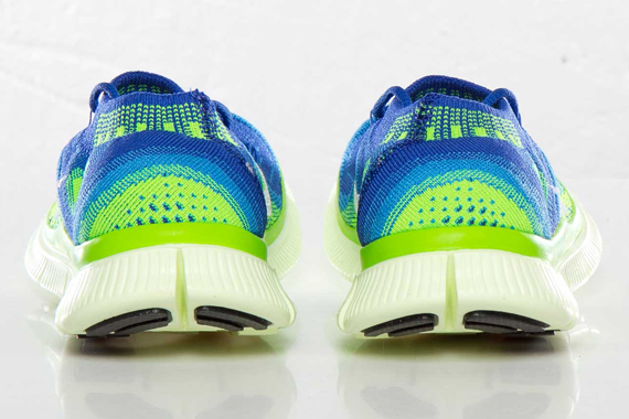 nike-wmns-free-flyknit-game-royal-white-blue-glow-electric-green-4