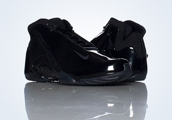 Nike Zoom Hyperflight Blackout Now Available