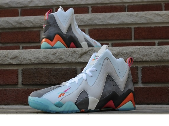 sports shoes efb3c d1c1f Packer Shoes x Reebok Kamikaze II Remember the Alamo Release Reminder