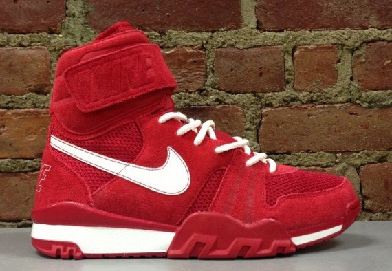 release-reminder-nike-air-shark-trainer-gym-red-sail-gym-red-gym-red-1