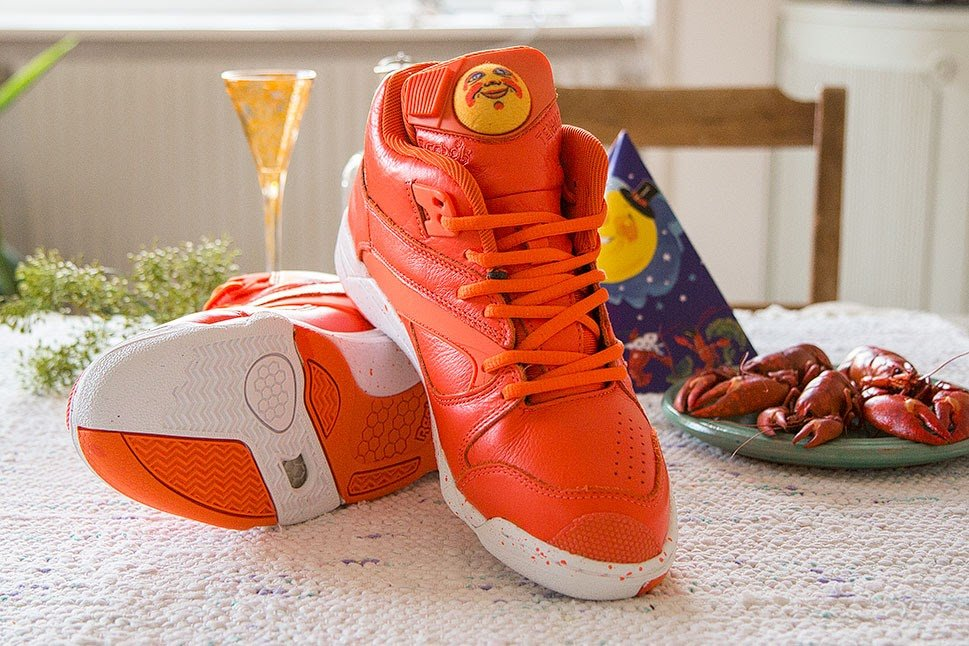sneakersnstuff-reebok-court-victory-pump-crayfish-party-6
