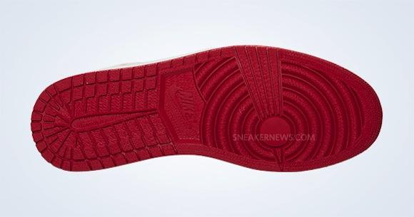 Air Jordan 1 Mid Black Gold Red