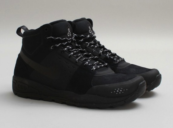 Nike Acg Air Zoom Tallac Lite Og Black Gold Sneakerfiles
