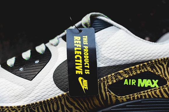 Nike AM90 Reflective
