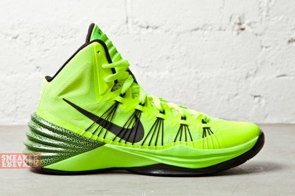 Nike Hyperdunk 2013 Volt – First Look