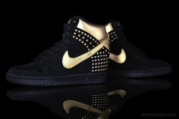 Nike WMNS Dunk Sky Hi Gold Stud New Release
