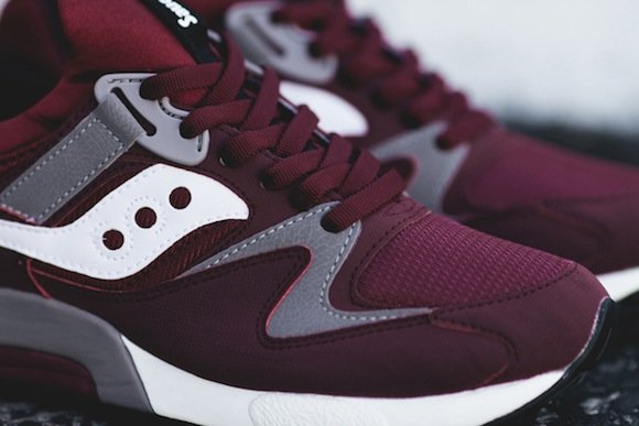 detailed pictures 8d525 9a00f Saucony Grid 9000 Burgundy Now Available